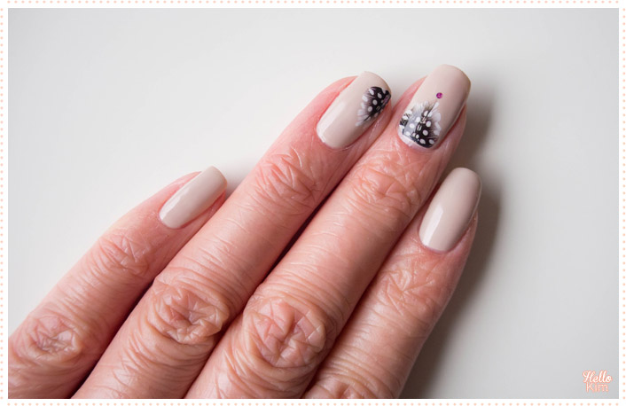 feather-water-decals_nail-art_hellokim_01
