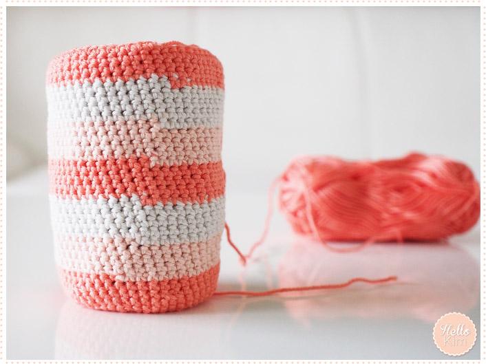 Pochette multicolore au crochet pour objectif - changement de couleurs - HelloKim