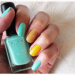 <span>Nail art</span> Yellow is the new black