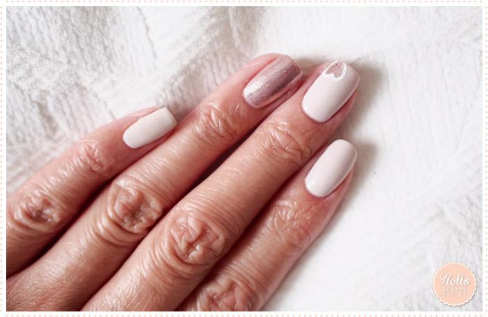 Nail art avec motif cœur dessiné à main levé et détouré au nail art pen - HelloKim