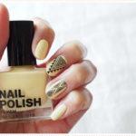 <span>Nail art</span> Yellow Aztec